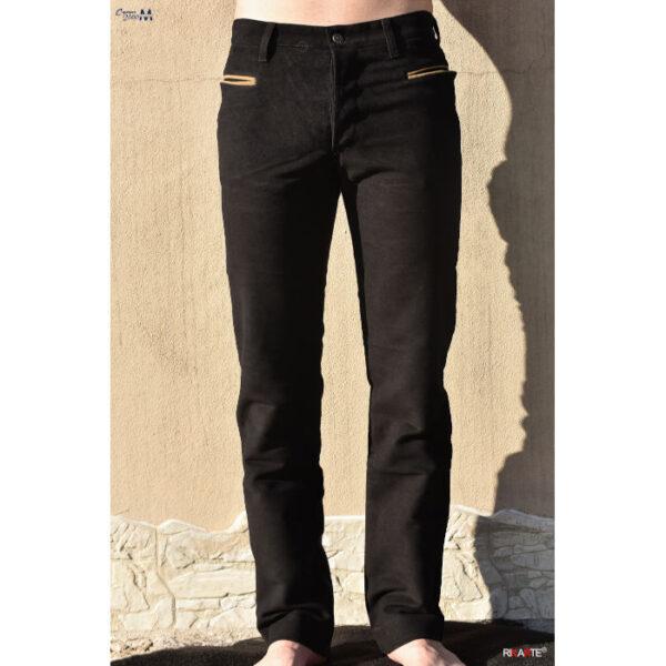 per vedere il taglio da indossato il pantalone da uomo in fustagno nero modello classico con tasche sarde