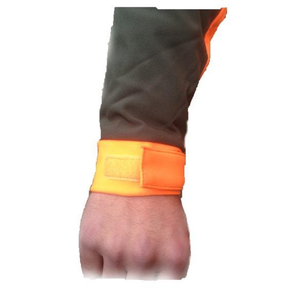 giacca softshell antivento zoom su polso per chiusura con velcro