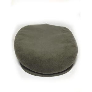 cappello tipico sardo in velluto verde realizzato dal berrettificio giovanni demurtas