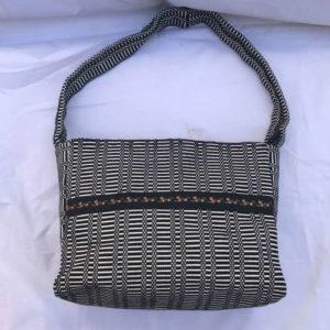 borsa sarda donna con tracolla lunga