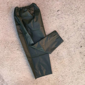 pantalone incerato con cuciture termosaldate